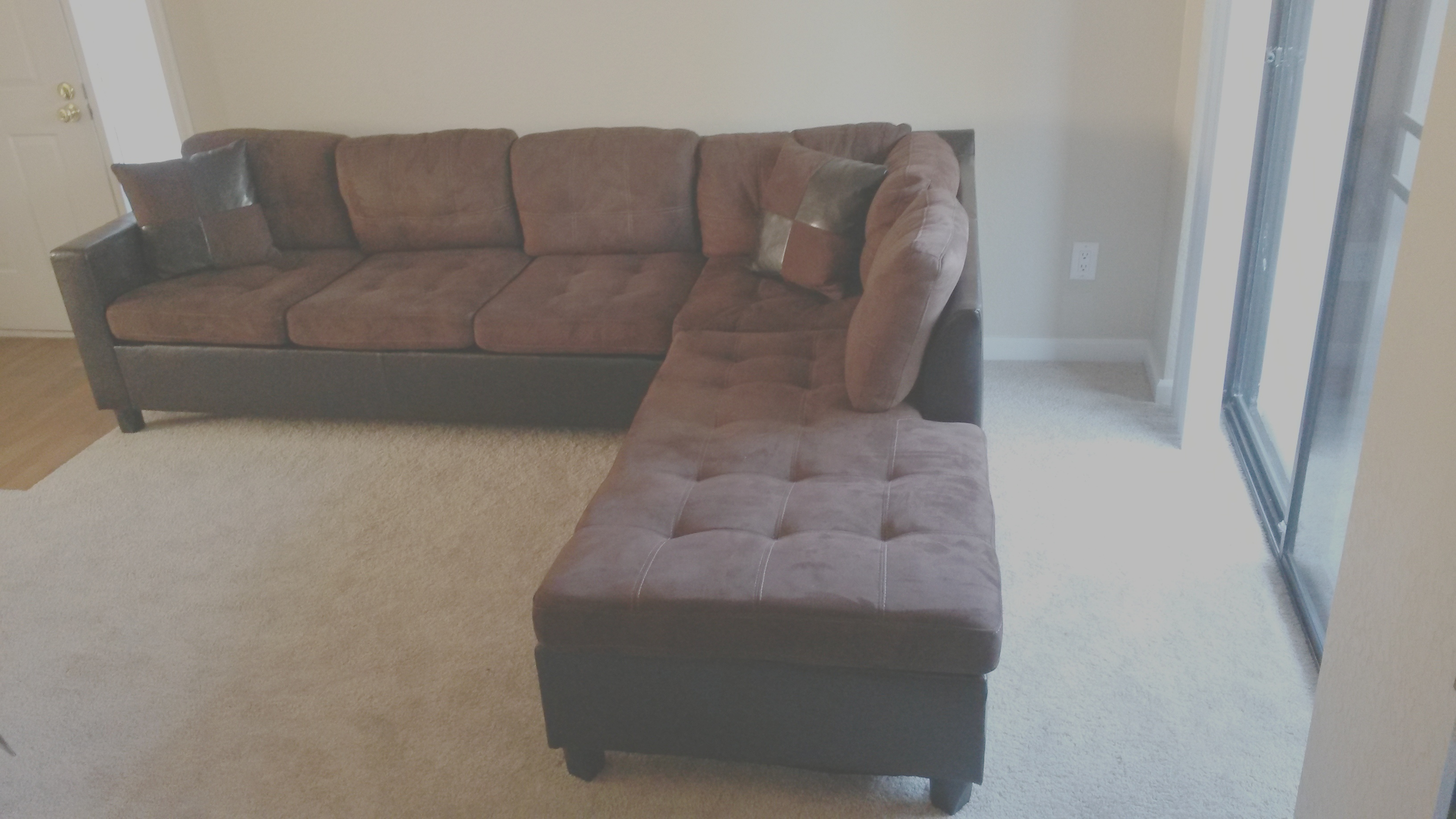 2 Bed Room Apt Free Furniture 1000 Cash Connecting
