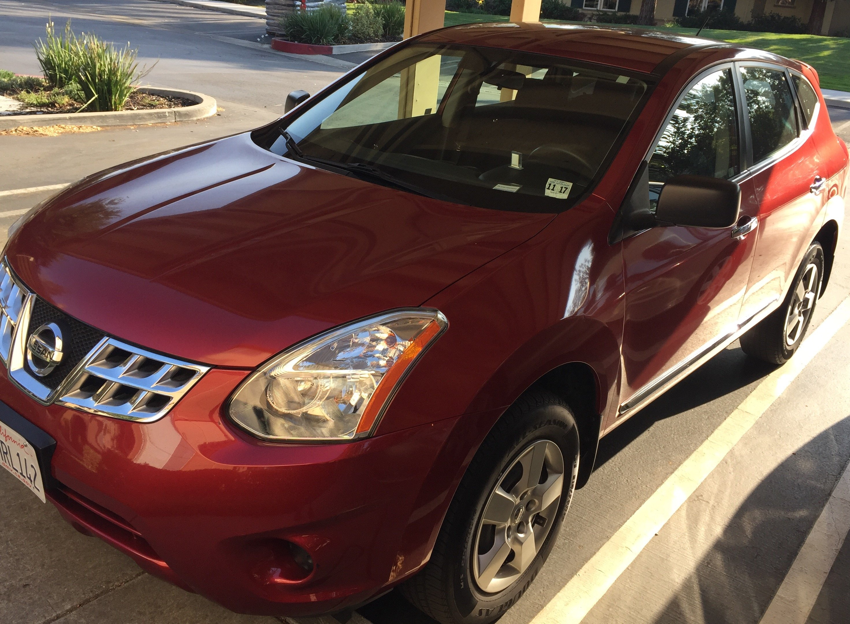 Red Nissan Rogue AWD 2013 for Sale – $12 500
